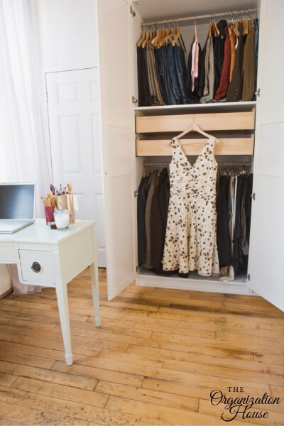 Custom Closet Organizers - Pros and Cons of Getting a Custom Closet Solution - TheOrganizationHouse.com